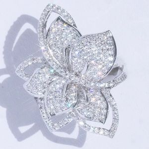 3.6Ct White Gold Diamond Charming Cluster Ring